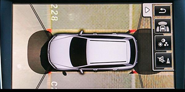 安全与放心相随 测试新款途锐倒车影像