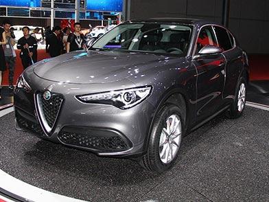 阿尔法罗密欧首款SUV Stelvio