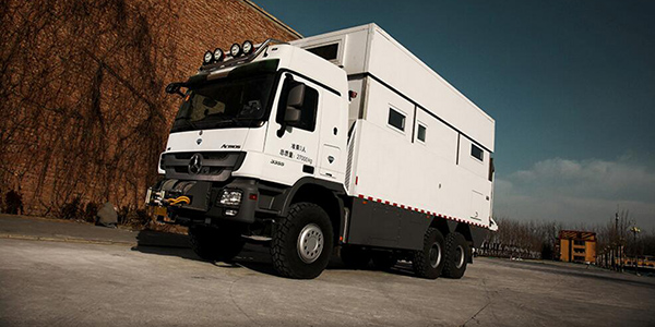 实拍EX70-HDM/MB Actros房车