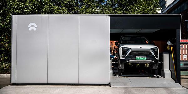 蔚来汽车G4高速换电站换电体验