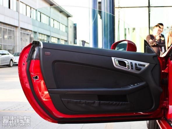 新款奔驰跑车slk200最新报价图片配置 高清图片