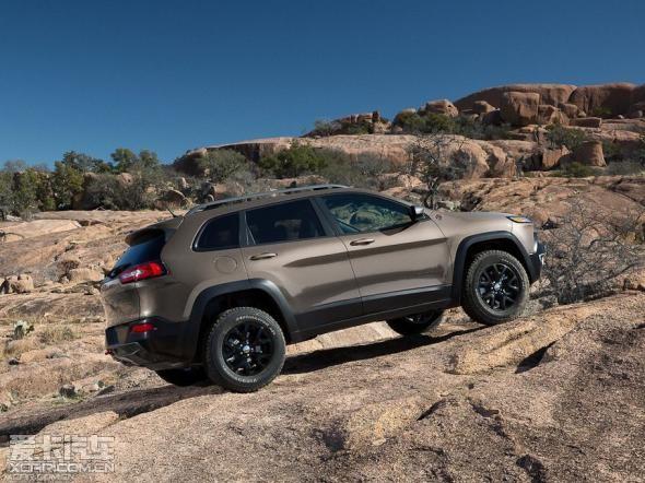 """jeep自由光被加拿大汽车记者协会评选为""""最佳新款   174款高清图片"""