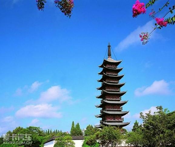 松江方塔形体优美,玲珑多姿