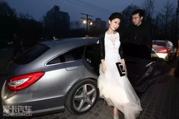 乘梦想座驾星徽女神齐聚中国国际时装周