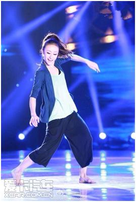 """""""青蛇"""",她,是《中国好舞蹈》亚军——天生属于舞台的精灵舞者张娅姝."""