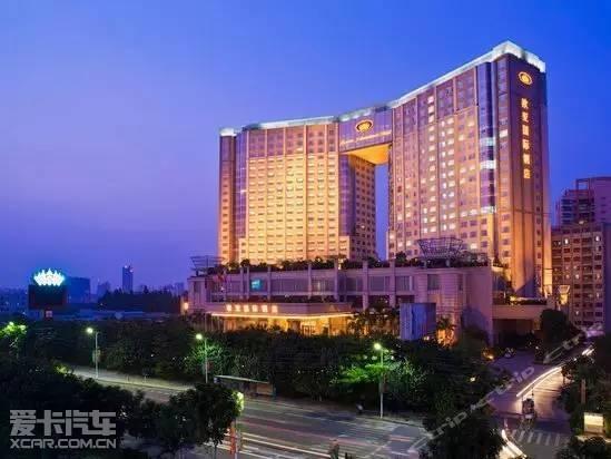 这次活动的地点位于欧亚国际大酒店!图片