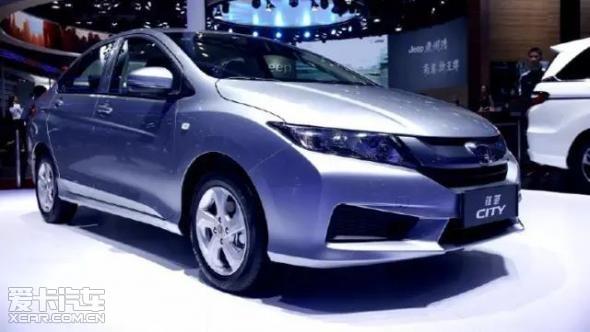 广汽本田在2017款锋范精英版派生车型上融入了以往在中高级车上才能