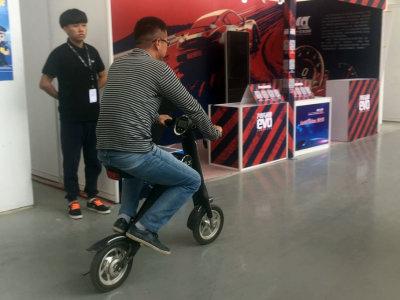爱卡狗仔队 北京车展前代步神器大搜罗