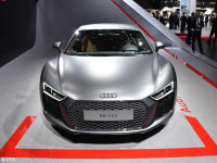 �µ�R8 Coupe Performance���� 253.8��