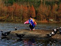 秦巴山中的龙湖 初冬的湖光山色