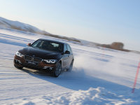 关掉你的DSC BMW高级冰雪驾驶培训课程