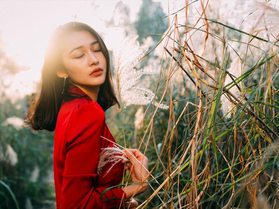 来自维吾尔族的美丽姑娘