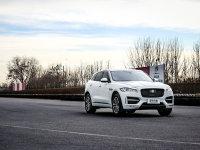 爱卡SUV专业测试 捷豹F-PACE的豹力美学