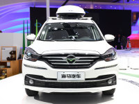 上海车展:新款福美来七座多功能轿车