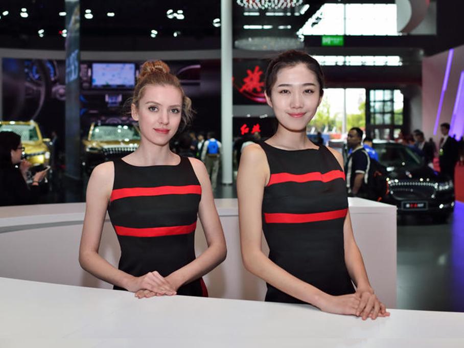 #上海车展零距离# 哪个展台的美女最靓