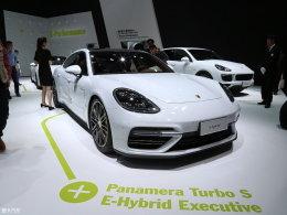 上海车展 Panamera Turbo S混动加长版