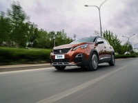 爱卡SUV专业测试 标致4008取胜靠颜值?
