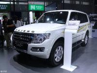 2017成都车展:新款帕杰罗售价36.98万起
