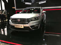 2017成都车展:汉腾X5预售价9.88万元