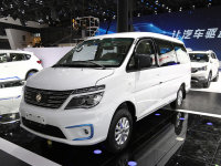 2017广州车展:风行菱智M5 EV售16.99万
