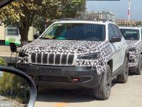 Jeep新款自由光现身国内路试 新增2.0T