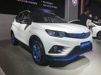 成都车展 东南DX3 EV400上市17.15万起