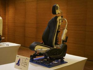 善解人意 荣威i5灯组座椅解析