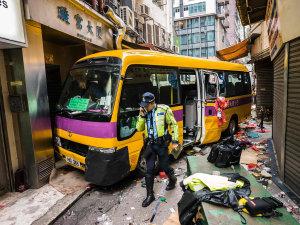 香港校车事故 原因如此荒谬!