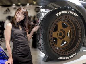 一起看东京改装车展的零部件