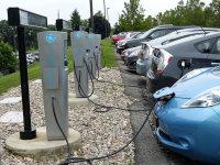 全球新能源汽车投资总额达3000亿美元