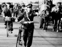 建国70周年 交通法规变革让出行更安全