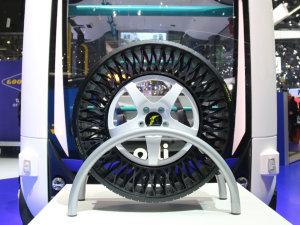 日内瓦车展 未来的轮胎竟能飞