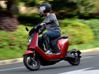 灵动 安全 试驾本田V-GO锂电池电动摩托