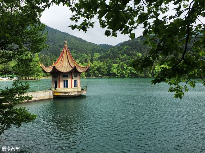 九江庐山风景名胜区内美景很多,我们二天游玩了如琴湖,天桥,锦绣谷