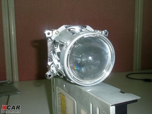 带透镜的大灯内部结构是什么样