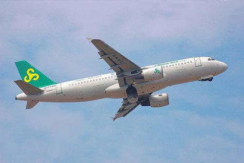 春秋航空公司设立黑名单 拒绝闹事乘客