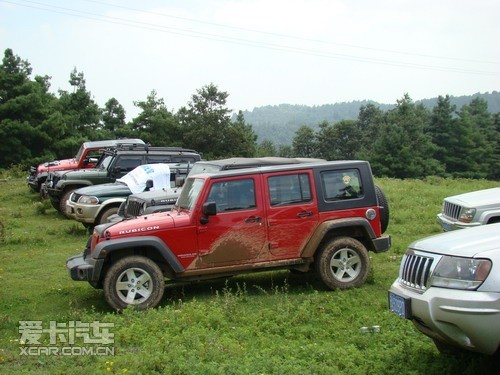 云南兴林车友会Jeep牧马人极限越野挑战高清图片