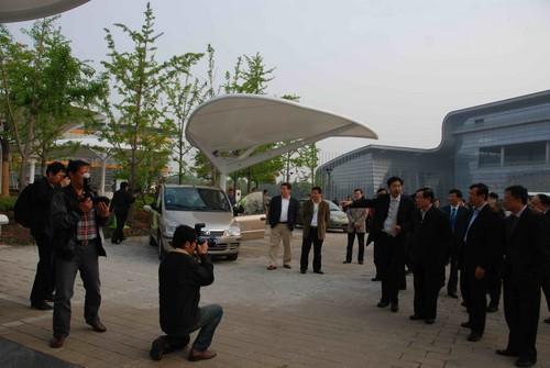 众泰汽车成为国际电动汽车示范城市组织成员高清图片