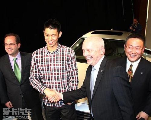 nba新星林书豪全球首签沃尔沃汽车代言人高清图片