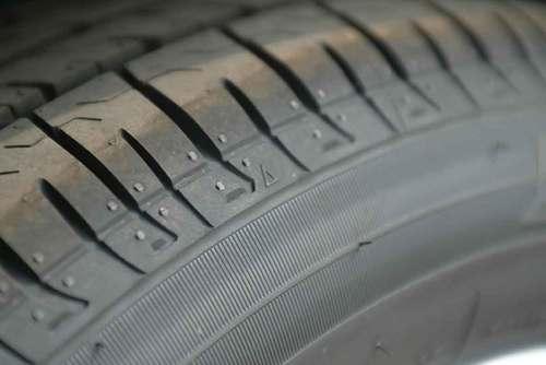 """汽车轮胎上的""""△""""代表什么?"""