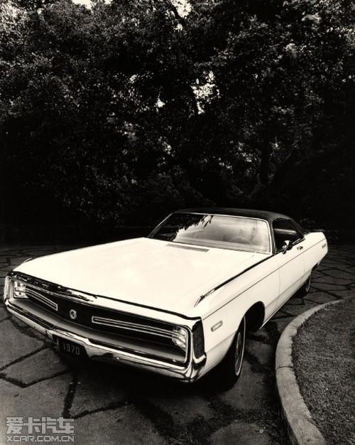 1970年,克莱斯勒为赫斯特公司生产了特制的克莱斯勒300-赫高清图片