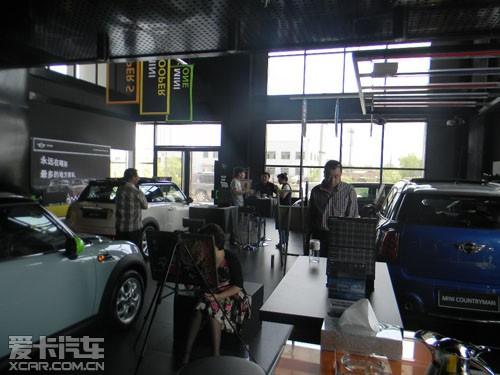 据mini的工作人员讲述,所有客户绘画出的mini车辆,都将制作高清图片