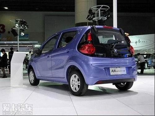 奔奔mini搭载改良型c10发动机,在原来高功率、高扭矩、低油高清图片
