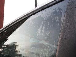 雨季行车多烦恼 爱卡教您去除侧窗雨水