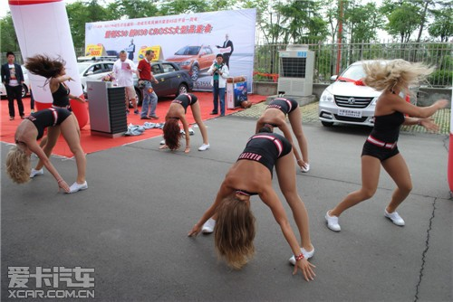 nba美女啦啦队 激情热舞助阵风神兴荣亚