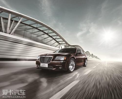 全进口豪华轿车克莱斯勒300c高清图片