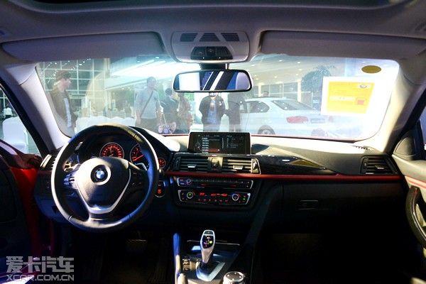 bmw 4系双门轿跑车的底盘结构基于新一代bmw 3系四门   轿高清图片