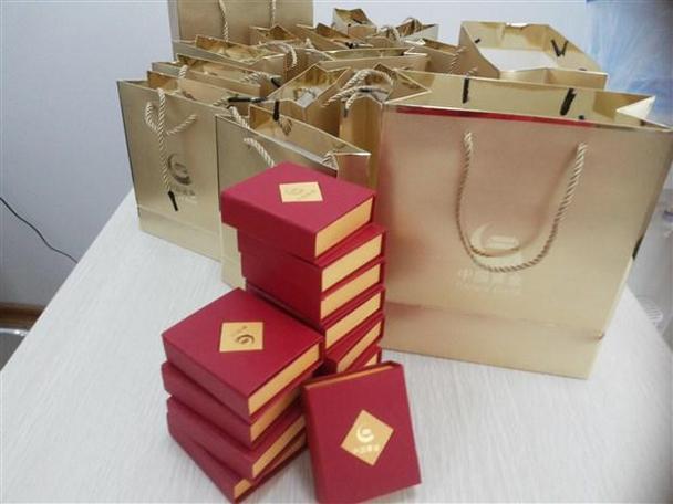 包装 包装设计 购物纸袋 纸袋 608_456
