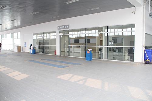 客户售后服务接待区位于店面右侧位置,有专门通道直接进入,高清图片
