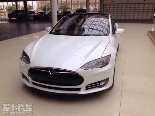 """界""""苹果""""的特斯拉电动汽车,成为近两年最受关注的汽车,其革命性的设计"""